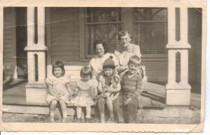Reading Kansas_Cora and Gail Martin with Martin Kids 1952