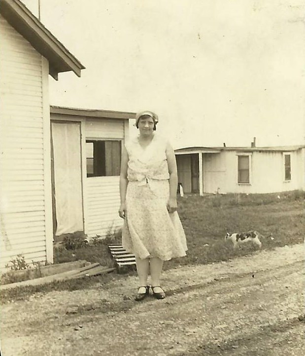 Here's her mother, Ruth (Vining) McGhee in Teterville sometime in the 1930s.