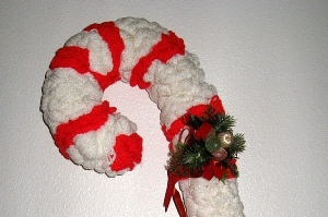 Added decoration on the pom-pom candy cane.