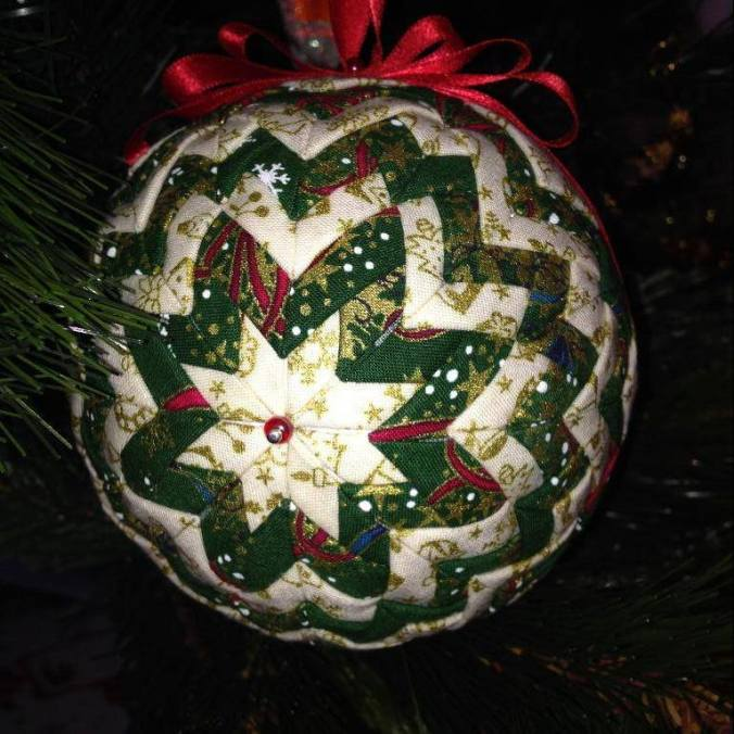 christmas-ornament-like-mom-made