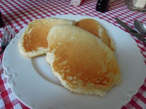pancakes-white plate pixabay