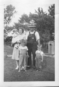 Norman_Melba_and_family_Vicki_1_Timothy_6_Robert_3