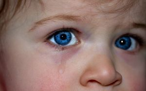 child cry pixabay
