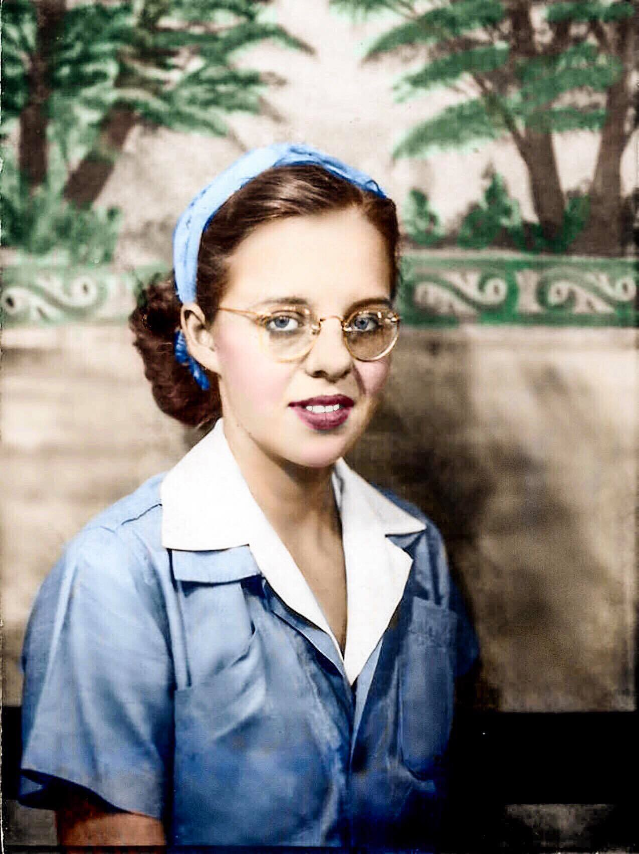 Updated 1940s Photo of Gail