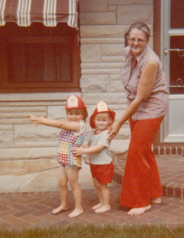 Gail Martin and granddaughters