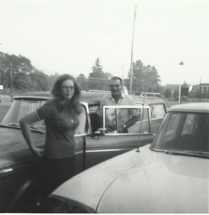 Ginger and Dad arriving in Chardon OH_2 green Ramblers_Sept 197